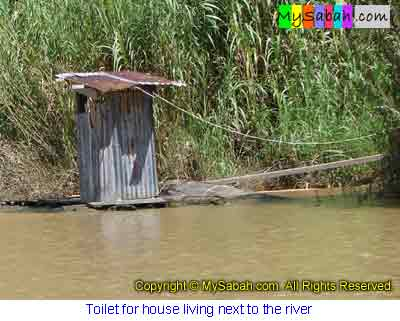 Floating toilet