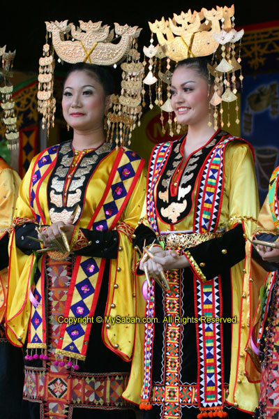 Bajau girls