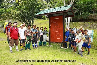 Group photo before the climb
