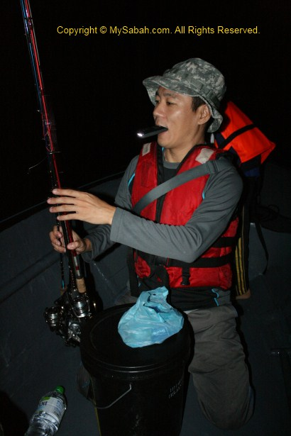preparing fishing rod