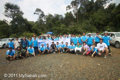 group photo of Center of Sabah Expedition team