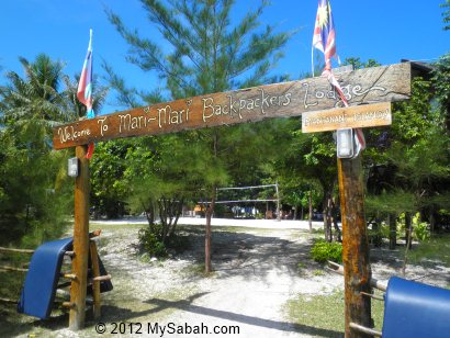 Mari-Mari Backpackers Lodge on Pulau Mantanani
