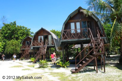 Mari-Mari Backpackers Lodge on Mantanani Besar