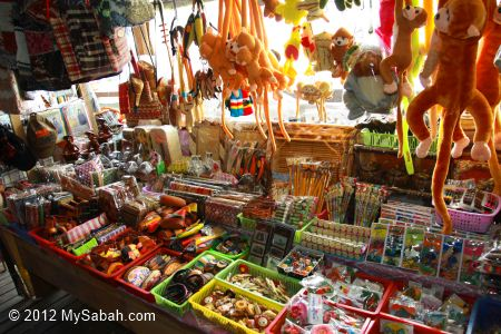 handicraft and souvenir