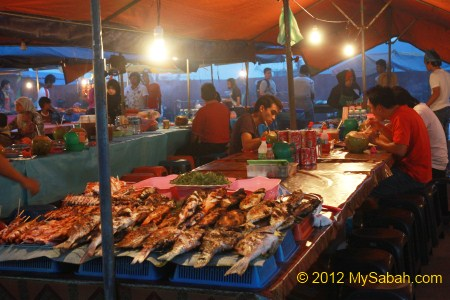 BBQ Seafood stalls in evening