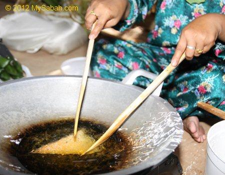 Kuih Jala Net Cake Fun To Make Amp Good To Eat Mysabah Com