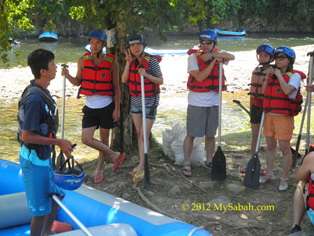 briefing before Kiulu White Water Rafting