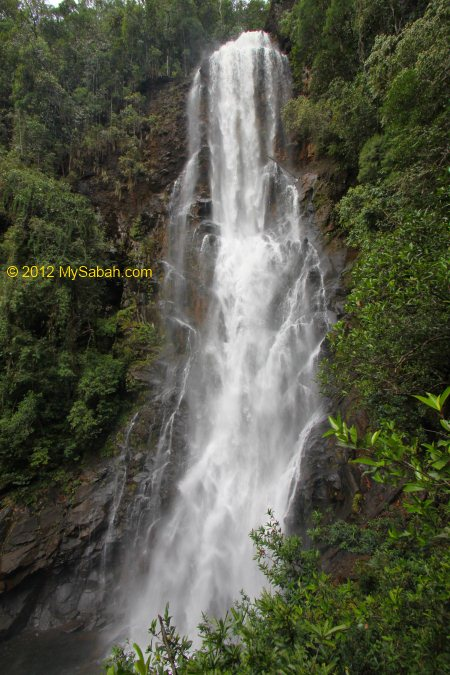 95-Meter tall Tawai Waterfall