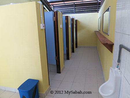 toilet of Sayang-Sayang Hostel