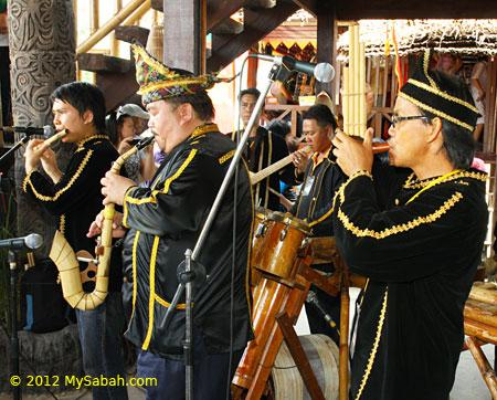 bamboo music show