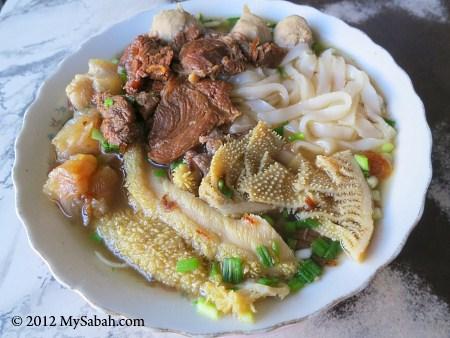 牛什河粉 Beef Noodle