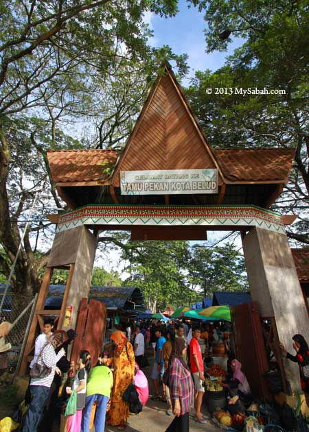 entrance to Tamu Market of Kota Belud
