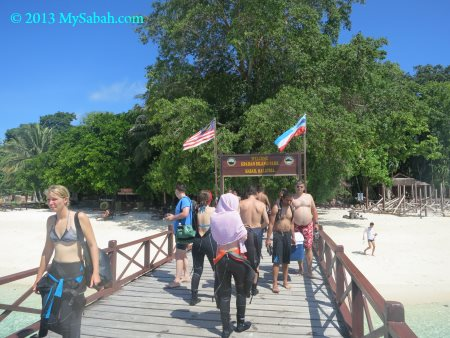 boardwalk to Sipadan