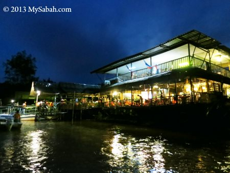 night view of Weston Jaafar River Lodge