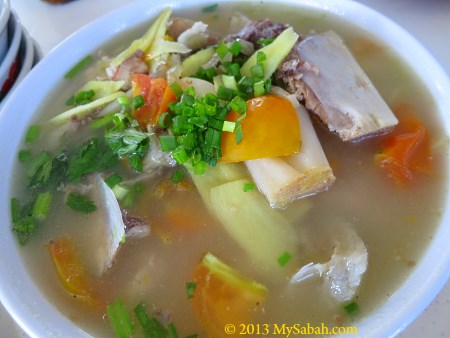 giant grouper fish head soup