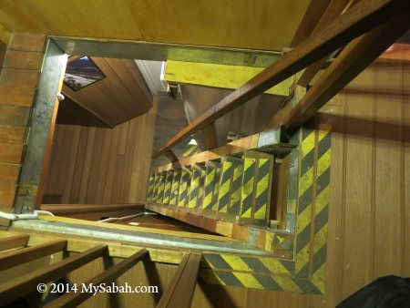 steep staircase of Pendant Hut
