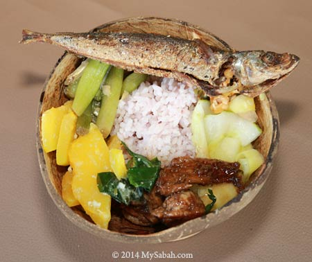 traditional food in coconut shell