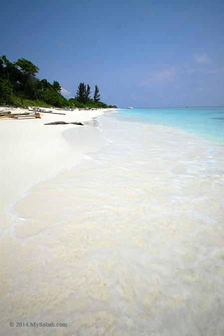 beach of Pulau Mengalum