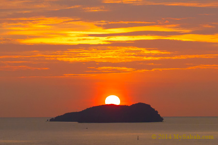sunset over Manukan Island