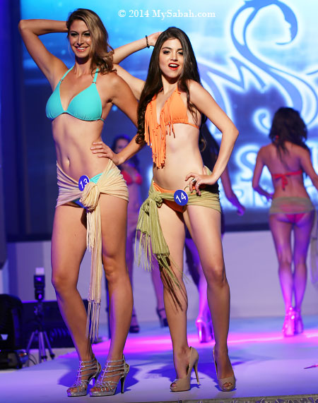 Miss Scuba USA and Venezuela in bikini