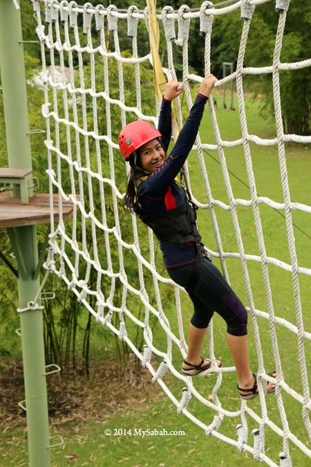 high ropes challenge: Cargo Net