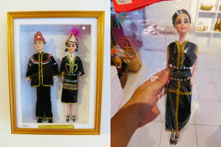 dolls in traditional costumes
