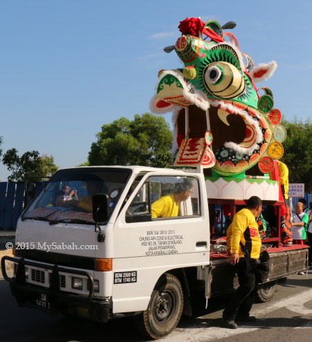 Huge Unicorn (Qilin) Head on pick-up truck