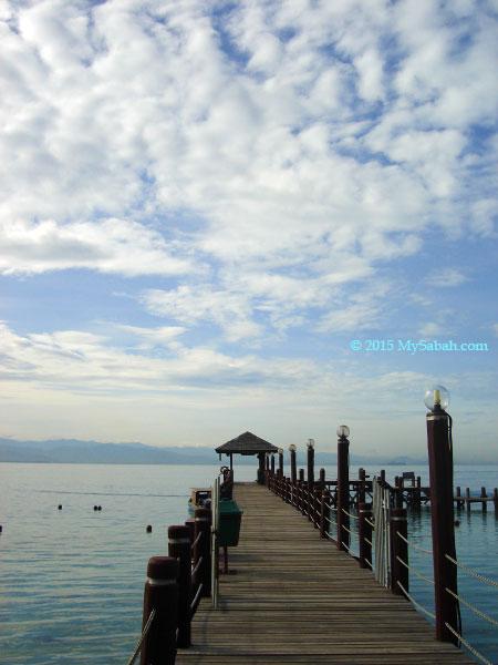 jetty of Manukan Island