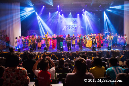 Sabah Fest 2015 group performance