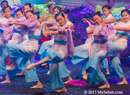 Chinese dance in Sabah Fest by KK High School