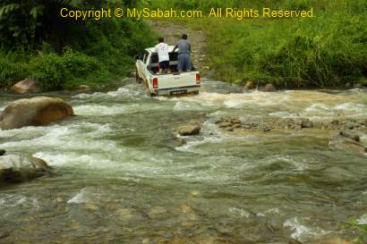 crossing river by 4WD