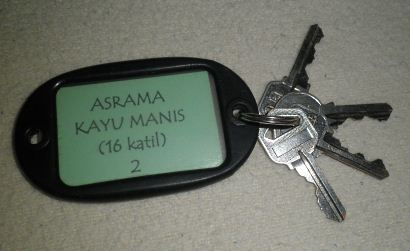 room keys of Kayu Manis Cabin