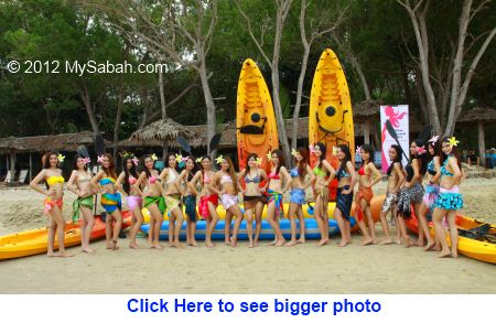 group photo of Miss Oriental contestants