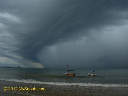 heavy rain at Tanjung Aru Beach