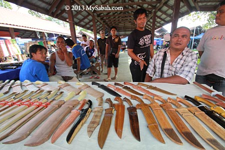 machetes of Bajau
