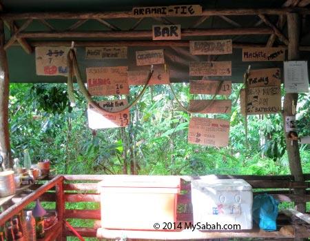 mini bar of Lupa Masa Jungle Camp