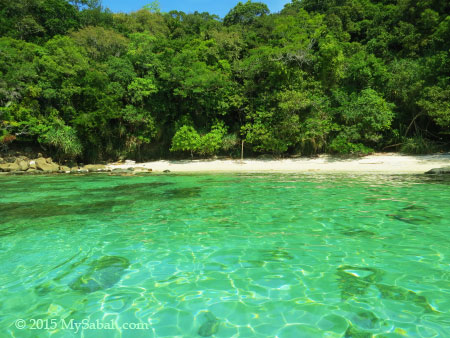 hidden beach of Sapi Island