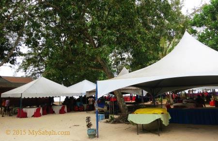 buffet stalls on island