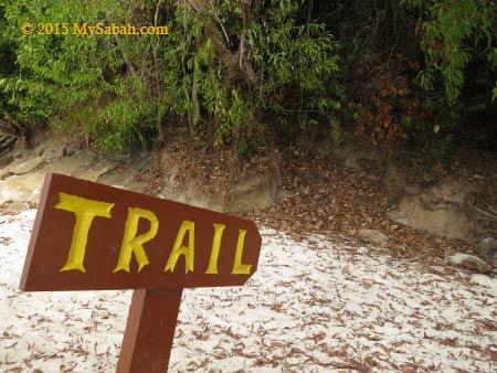 trail of Mamutik
