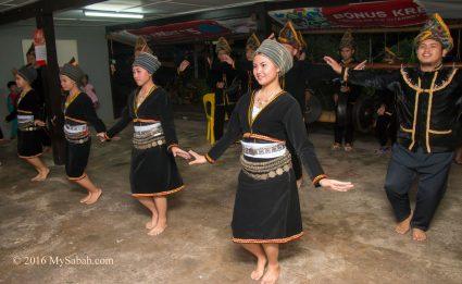 Sumazau dance by Dusun Tambunan people