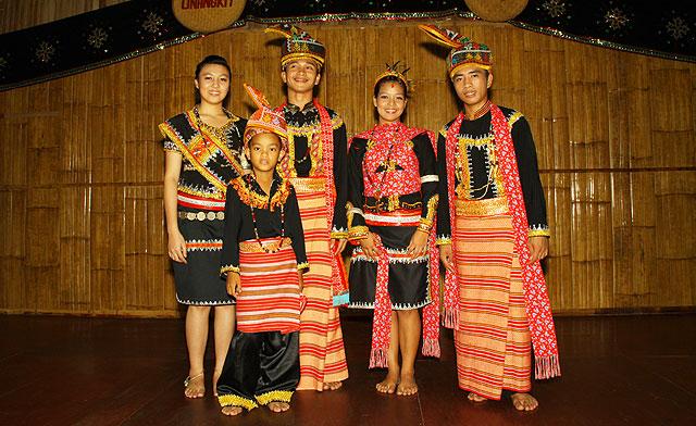 Linangkit Cultural Village