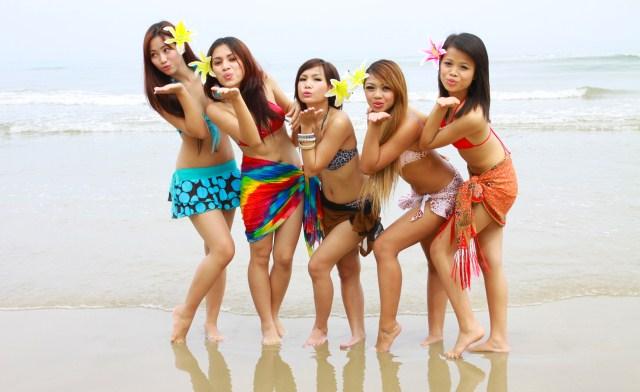 models at Borneo Kell Bays