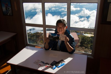 write postcards above the cloud