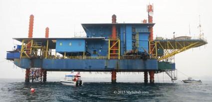 Seaventures Dive Rig in the sea