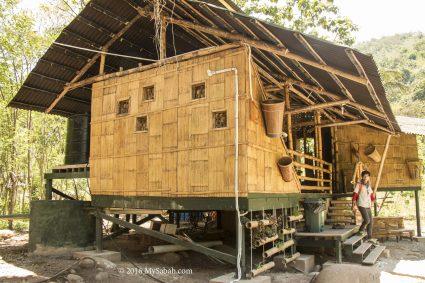 Bamboo house accommodation of Kiulu Farmstay