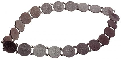 Himpogot made of copper-nickel 25 Pence coins in 1977 that celebrates the Silver Jubilee (25th Anniversary) of Queen Elizabeth's reign