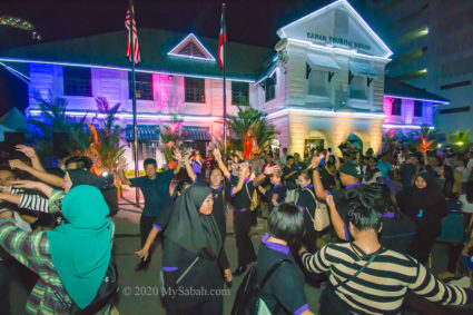 Audiences danced and celebrated in Lampoopalooza festival