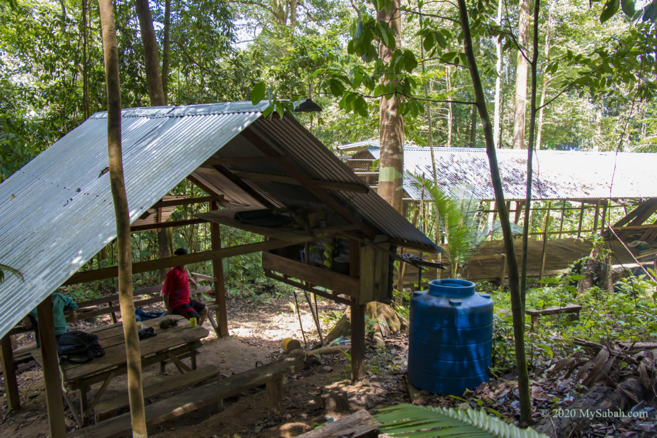 Hut and campsite on Mount Nopungguk