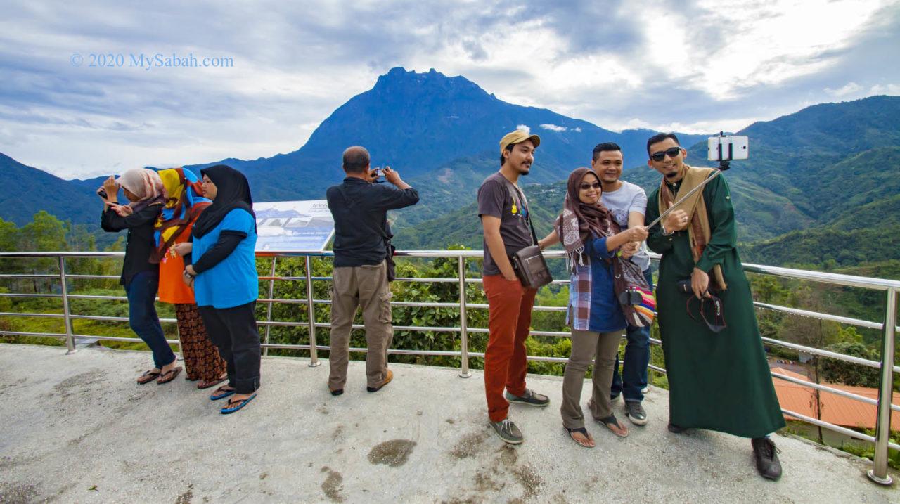 Mount Kinabalu viewing platform of Nabalu Town